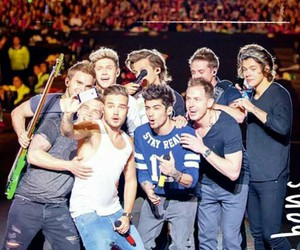 selfie, 1d, and 1d band and singers image
