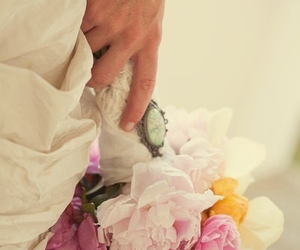 bouquet and wedding image