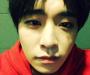 ig, ©, and youngjae image