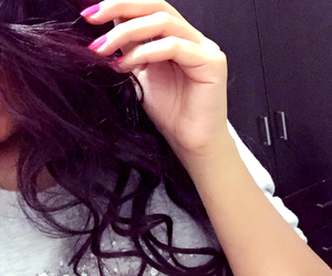 babe, curls, and pink nails image