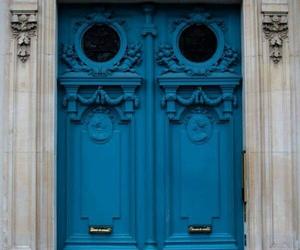 blue door image