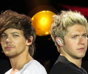 babes, harrystyles, and otratour image