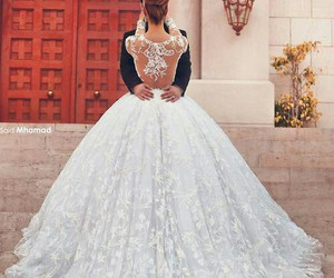 dress, gorgeous, and marry image