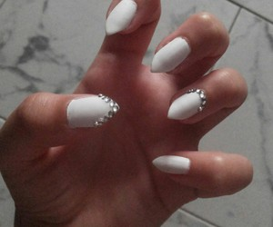 nails, summernails, and white image