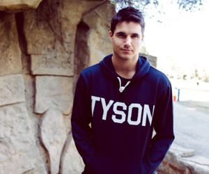 robbie amell, handsome, and Hot image