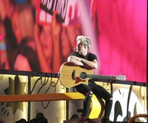 niall horan, one direction, and otrat image