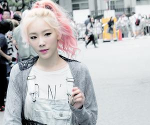snsd, taeyeon, and fashion image