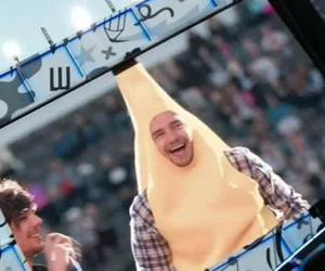 one direction, liam payne, and banana image