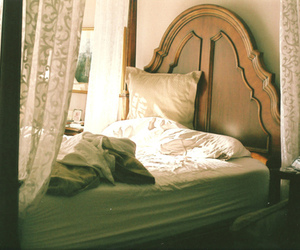 bed, vintage, and indie image
