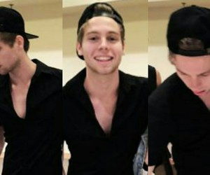 hot guy, luke hemmings, and 5 seconds of summer image