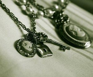 necklace, Queen, and nostalgic image