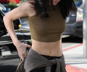 clothes, fashion, and kendall jenner image