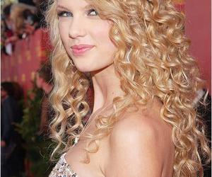 beauty, long wigs for women, and curly hair image