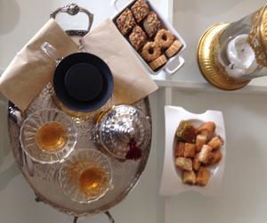 food, tee, and gebäck image