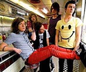cage the elephant image