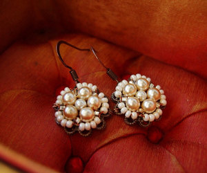 bridal jewelry, vintage style, and earrings image