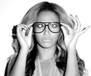 beyoncé and glasses image