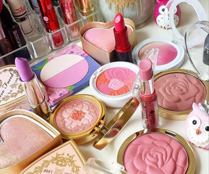 makeup, yeye, and pink image