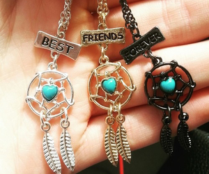 best friends, atrapasueÑos, and beauty image