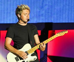 niall horan, one direction, and otra tour image