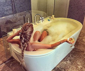 girl, hair, and luxury image