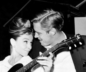 actrice, audrey hepburn, and George Peppard image