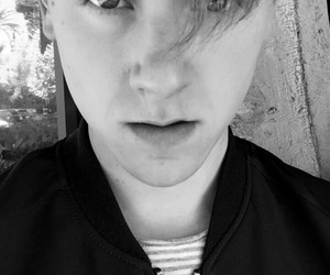 connor franta, youtuber, and Connor image