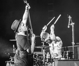 drums, fall out boy, and patrick stump image