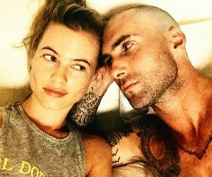 adam levine, Behati Prinsloo, and couple image
