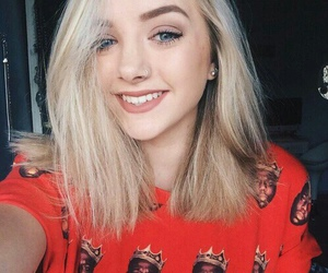 maddi bragg and smile image