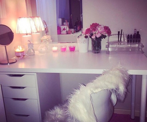 bedroom, makeup, and pink image
