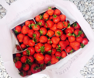 food porn, strawberries, and sweden image
