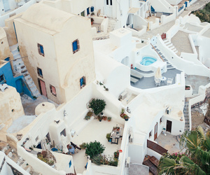 house and santorini image