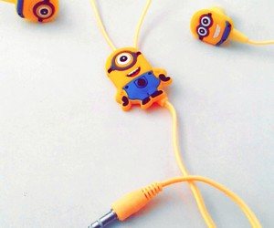minion, minions, and auriculares image