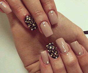 look and nails image