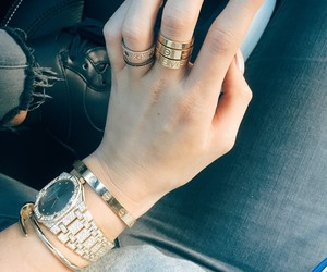 kylie jenner, nails, and cartier image
