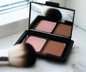 blush, fashion, and bronzer image