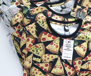 pizza, tshirt, and foodporn image