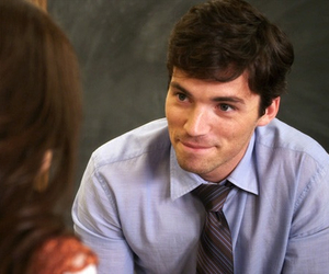 pretty little liars, ezra, and pll image
