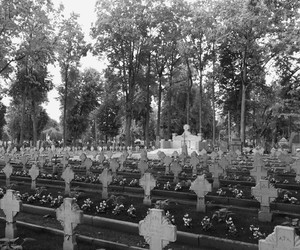 cross, monument, and soldiers image