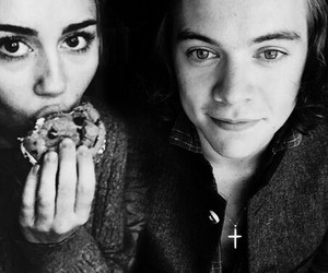 miley cyrus, hiley, and Harry Styles image