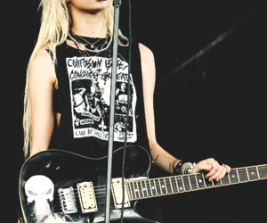Taylor Momsen, the pretty reckless, and black image