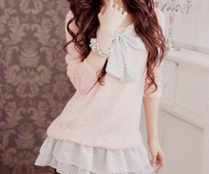 pink, asian, and fashion image
