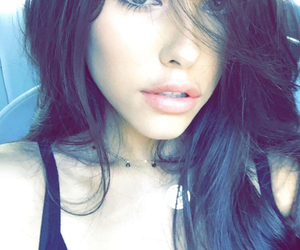 snap and madison beer image