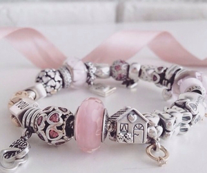 bracelet, charms, and jewellery image