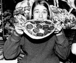 kurt cobain, pizza, and nirvana image