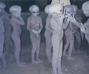 aliens and pale image