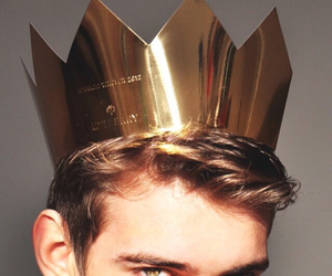 boy, king, and crown image