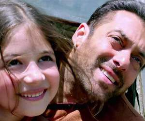 salman khan and harshaali malhotra image