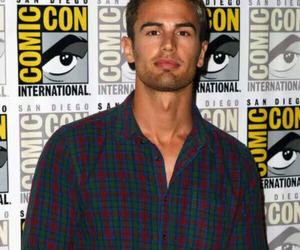 comic con, divergent, and theo james image